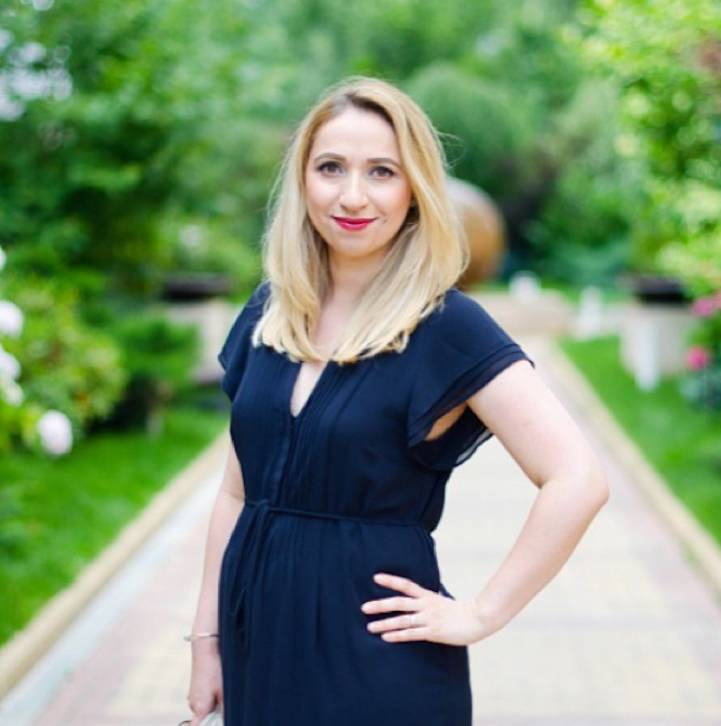 10 Questions with Andreea Opris